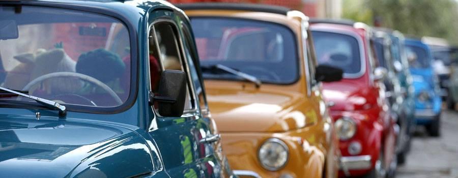 Caccia al Tesoro a Bordo di Auto Vintage